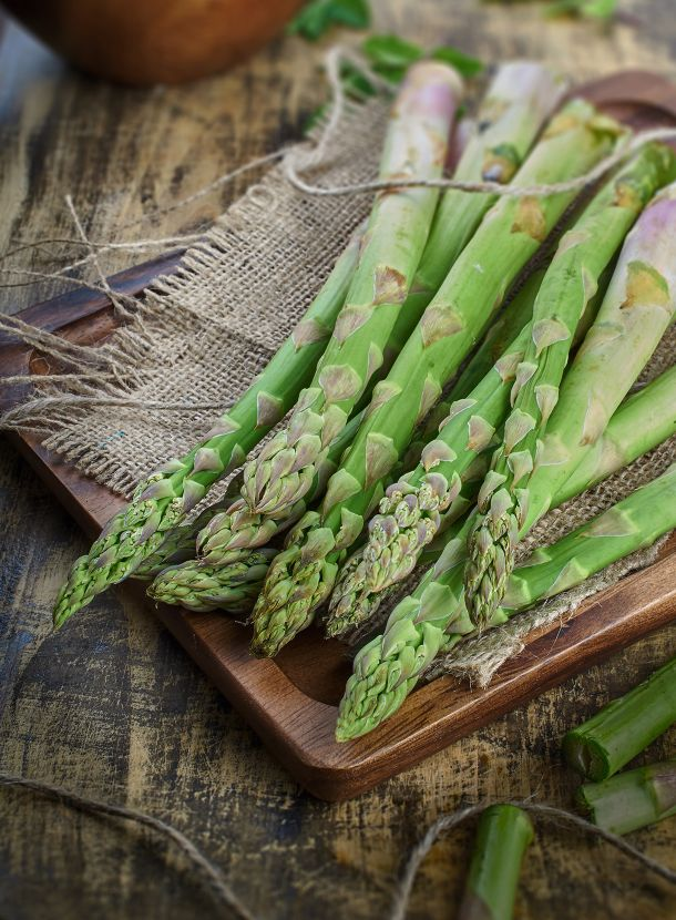 journal-post-asparagus-season-fresh-from-the-field-to-the-table-teaser-portrait.jpg
